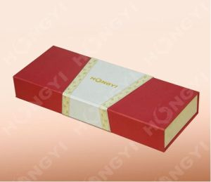 Red/White Paperboard/Cardboard Gift Box for Gift, Food, Perfume Packaging (HYJ023) pictures & photos