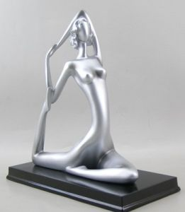 Customized Dancing Statue with Resin Material pictures & photos