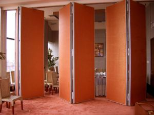 Aluminium Folding Partition /Acoustic Movable Wall for Hotel/Restaurant/Banquet Hall pictures & photos
