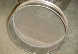 Stainless Steel Woven Wire Mesh Soil Test Sieve pictures & photos