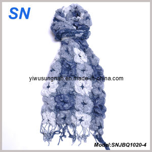 2014 Soft Fashion Skinny Stripe Checked Winter Warm Ruffle Bubble Scarves pictures & photos