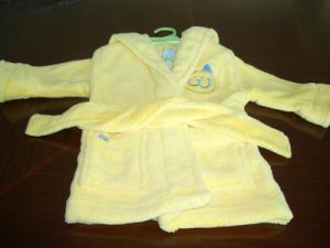 Children Robe (ZXR003) pictures & photos