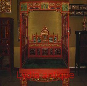 Antique Bed (M(36))