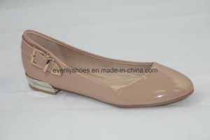 Hot Selling Women′s Flat Shoes with PU Upper pictures & photos