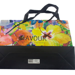Customized Paper Shopping Bag with Recycled Paper pictures & photos