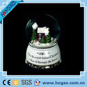 Xmas Snow Globe with a Beautiful House Inside pictures & photos