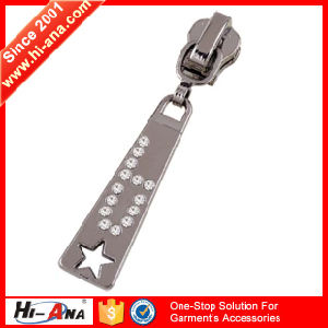 Trade Assurance Custom Leather Zipper Puller pictures & photos