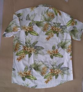 100% Combed Cotton Men′s Short Sleeve Hawaiian Shirts pictures & photos