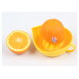Hot Selling Hand Make Silicone Lemon Squeezer Lemon Press pictures & photos