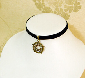 Black Velvet with Fashion Pendant Suede Choker (XJW13672) pictures & photos