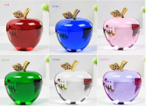 Crystal Apple in Carving Crafts Decoration Crystal Apple pictures & photos