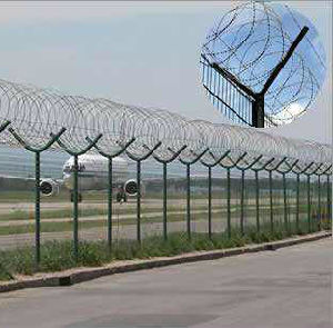Hot-Saled Glavanized Barbed Wire for Airport pictures & photos