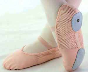 Pink Canvas Ballet Dance Slipper Splice with Breathable Mesh pictures & photos