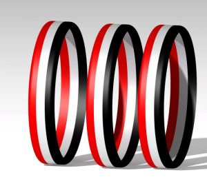 Xt-Sw1010wholesale Solid Red, White and Black Stripes Silicone Wristbands pictures & photos