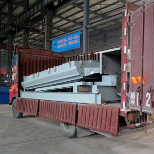 ISO9008: 2001 Certificated Wood Chips Vibrating Sieve Screen Machine pictures & photos