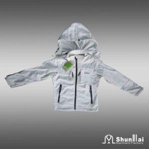 Kid′s Soft Shell Jacket with Hood