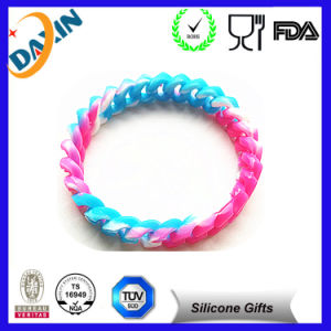 2015 Colorful Embossed Bracelets Silicone Bracelets pictures & photos