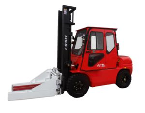 4ton Diesel Forklift with Driving Cab pictures & photos