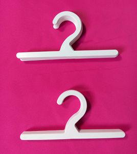7′′ Plastic Hanger for Shower Curtain