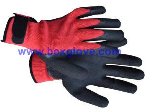 10 Gauge Polyester Liner, Nitrile Coating, Sandy Finish Safety Gloves pictures & photos