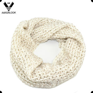 Fashion Acrylic and Sequins Yarn Knitted Scarf Snood pictures & photos