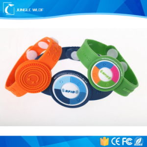 Tk4100 Waterproof RFID Wristband for Swimming Pool pictures & photos