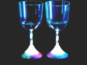 2015 New Style LED Flashing Red Wine Glass pictures & photos