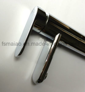 Watermark Round Brass Bathroom Singel Lever Faucet (CG4601) pictures & photos