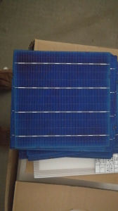 4.38W Poly Solar Cell for 260W Solar Panel pictures & photos