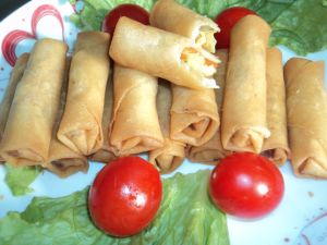 IQF Frozen 100% Hand Made Vegetable 25g/piece Cylinderical Elongated Egg Rolls pictures & photos