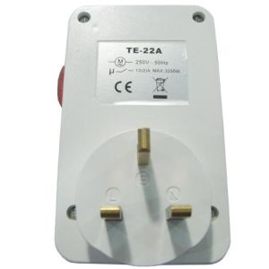 13A UK Type 24hours Mechanical Plug-in Timer (TE-22A) pictures & photos