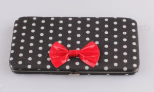 2017 New Fashionl Eather Wallet Wirh Rivet and Bow pictures & photos