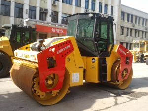 Hydraulic Single Drum Vibratory Roller pictures & photos