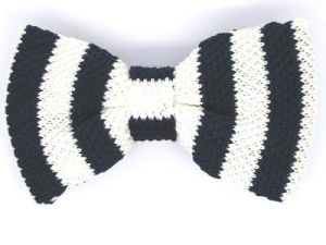New Design Fashion Men′s Polyester Knitted Bowtie pictures & photos