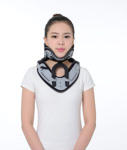 Manufacture OEM High Quality Adjustable Orthopedic Cervical Collar or Neck Brace or Neck Collar pictures & photos
