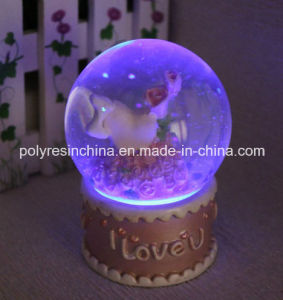 Saint Valentine′s Day of Light Snow Globe/Snow Ball with LED pictures & photos