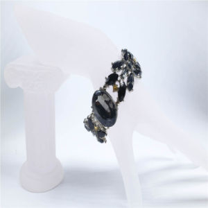 New Design Black Resin Fashion Necklaces Earring Bracelet Jewelry Set pictures & photos