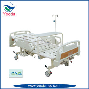 2 Crank Medical Bed with Foldable Dining Table pictures & photos