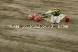 V Groove at Four Sides Painted Synchronized Antique Crack Grain Laminate Flooring pictures & photos