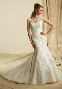 2016 Embroidered Appliques Wedding Dresses (WMA022) pictures & photos