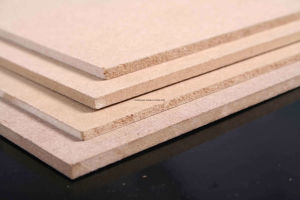 White and Beige MDF /Kuwait Market Melamine MDF pictures & photos