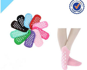 Foot Care Hands Care Beauty Skin Moisturizing Gel Heel SPA Gel Sock with Different Colors pictures & photos