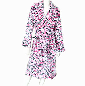 100% Polyester Fleece Bathrobe with Printing (YT-157) pictures & photos