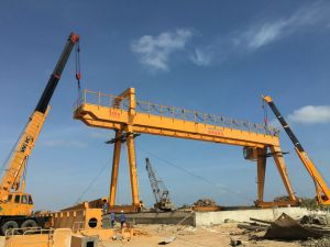 Double Girder Gantry Crane with Electric Hoist for Ship Yard pictures & photos