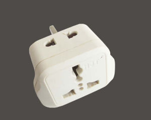 UK 13A Power Plug Travel Adaptor with Universal Socket pictures & photos