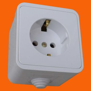 Euro Surface Mounted IP44 Power Wall Socket (S3010) pictures & photos