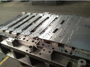 Low Cost Progressive Stamping Mould Tooling pictures & photos