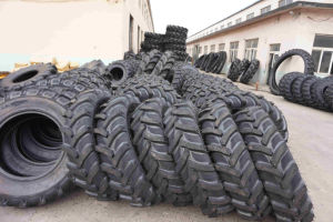 12.4-28 Good Quality Farm Implement and Agricultural Tractor Tire of R1 Pattern
