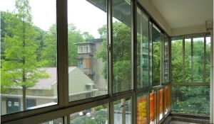 Aluminium Electrophoresis Balcony Sliding Window pictures & photos