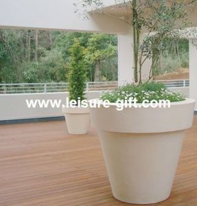 Fo-306 Lacquered Outdoor Fiberglass Flower Pot pictures & photos